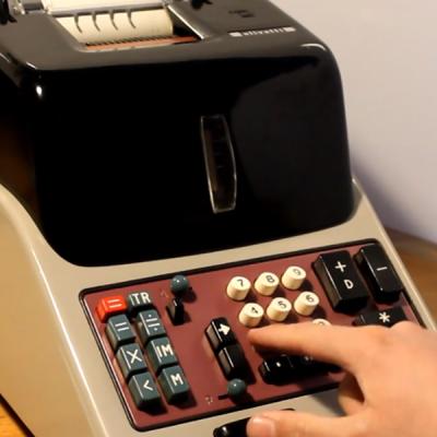 Test dimostrativo funzionamento Olivetti Divisumma 24 (1956)